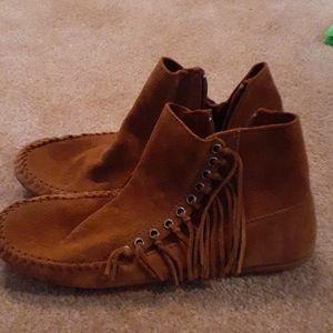 Minnietonka new moccasins never worn